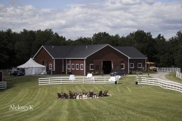 barn-liberty-farms-wedding-photos-hudson-valley-28